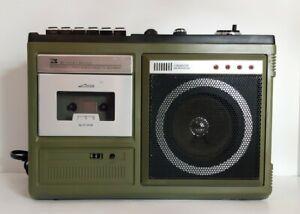 Reader's Digest Vintage AM/FM Radio 8 Track Player Cassette Tape Recorder