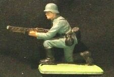 BRITAINS, DEETAIL, GERMAN SOLDIER KNEELING WITH GUN, CCT1444