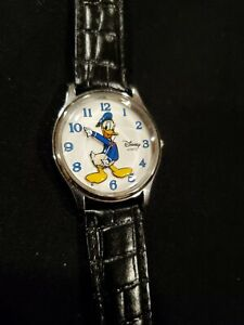 Disney Parks Donald Duck Quartz Watch. Never been used.