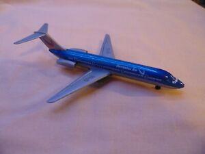 "Plastic Universal Air Airliner plane 5 1/2"" length"