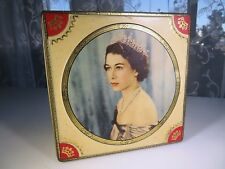 She's Charming Elegante Queen Elizabeth II souvenir tin box 1953 Westminster