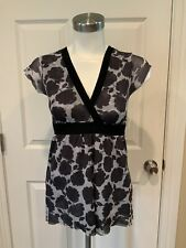 Sweet Pea by Staci Frati Black & Gray Floral V-Neck Shirt, Size Small