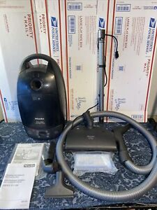 Miele S514 Solaris Electro Plus Canister Vacuum Cleaner - W/Extra Accessories