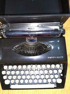 Macchina Da Scrivere Triumph modello Trippa tipo lettera 22