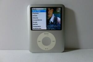 Apple iPod Nano 3rd Generation Silver (4GB) Media MP3 Player Model A1236