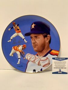"""Nolan Ryan signed 1983 """"Sports Impressions"""" limited edition plate. Beckett COA"""