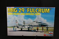YB012 ESCI 1/72 maquette avion 9095 MIG 29 Fulcrum with pilots and ground crew