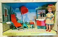 1964 TOPPER TOYS~PENNY BRITE~BEAUTY PARLOR HAIR SALON in BOX~DOLL in CASE~SMOCK!