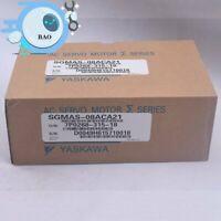 1PCS New in box Yaskawa Servo Motor SGMAS-08ACA21