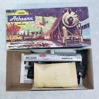 Vintage Athearn HO Scale Dupont 40' Single Dome Chemical Tank Car Kit #1553