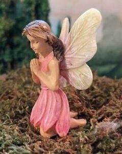 Praying Fairy w pick MG 128 Miniature Fairy Garden