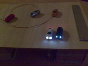 5 Autos mit Licht Spur N