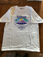 Disney Vacation Club Member ( DVC ) 2007 T-Shirt Size Medium Old Logo