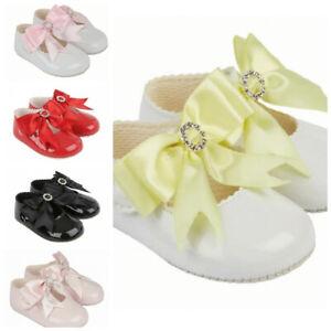 Neuer spanischer Stil Baby Mädchen Schleife Lack Strass Weich Sohle Kinderwagen Schuhe 0-18 Monat