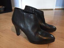 Ecco Women's Black Leather Booties Ankle Boots Side Zip Heels Size 7.5 Euro 38