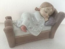 NAO by LLADRO' statuina porcellana Cozy Dreams bimba che dorme