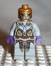 Lego ALIEN FOOT SOLDIER MINIFIGURE from Super Hero Quinjet Aerial Battle (6869)