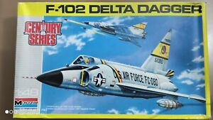 Monogram 5827 F-102 Delta Dagger 1/ 48