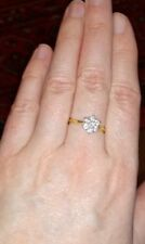 18 carat gold diamond daisy cluster ring
