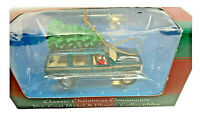 Maisto Classic Christmas Green Ford Explorer With Tree On Top - EUC - 1999