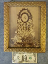 1870s? PITTSBURGH CABINET POSTMORTEM PHOTO FUNERAL MEMORIAL FLOWER ARRANGEMENT