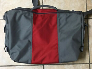Timbuk2 3 Panel Messenger Bag Silver Black &Red Made in San Francisco Medium GUC