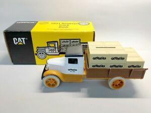 Ertl 7714 1/34 Scale Caterpillar 1931 Hawkeye Truck Diecast Coin Bank