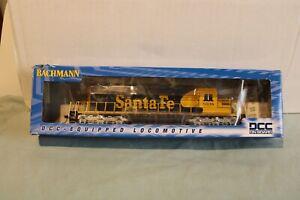 BACHMANN HO SCALE  SANTA-FE EMD SD-40-2 DIESEL LOCOMOTIVE WITH DCC LNIB