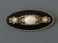 Vintage signed 1928  victorian style brooch in enamel on gold tone metal