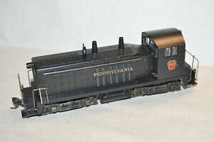 HO scale Athearn Pennsylvania RR EMD SW7 locomotive train