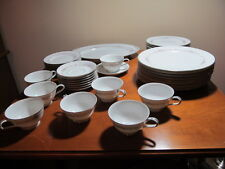 Noritake China Rosepoint Eight Place Settings Five Pieces per Setting Plus Plat