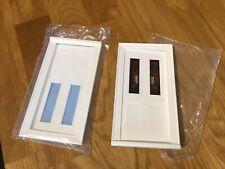 Casa De Muñecas Muebles 2 puertas 1/12 de plástico blanco con una inserción de color