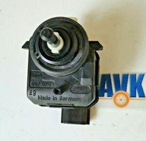 Stellmotor Leuchtweitenregulierung LWR 8200428994 007878  Renault