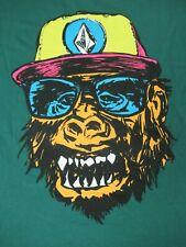 NWT VOLCOM MONKEY GORILLA IN BASEBALL CAP GREEN MEDIUM T-SHIRT D1899