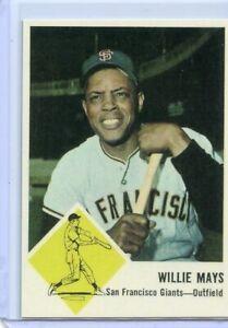 WILLIE MAYS - SAN FRANCISCO GIANTS - BASEBALL CARD - FREE SHIPPING !!!!