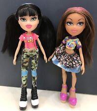 "Rhtf~(2)Bratz Dolls ""Selfie Snaps"" Jade & Yasmin Original Clothing/Accessories"