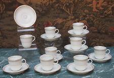 Porcelaine de Paris XIXème Tasses et sous tasses blanches et dorées @