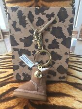 NEW UGG AUSTRALIA BAILEY SWAROVSKI CRYSTAL SHEEPSKIN BOOT KEY RING & GIFT BAG
