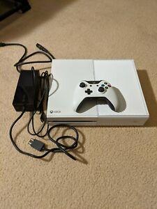 Microsoft Xbox One 500GB White Console 1540 Original Controller