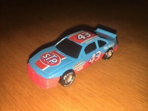 RACING CHAMPIONS 1:64 SCALE NASCAR 1993 #43 RICHARD PETTY STP!