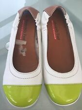 Heavenly Feet Leather Shoes Anti Fatigue Footwear White/Patient Lime Green Sz 39