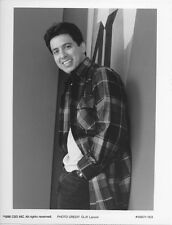 Ray Romano original 7x9 tv photo 1996 Everybody Loves Raymond with tag
