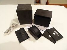 NEW Shamballa WOOD LEATHER DISPLAY STAND SET FOR JEWELRY Bracelet -CHROME HEARTS