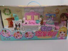 Lelia Mini Puppehaus Zimmer Spielset Geschenk für ab 3 Jahre mit Puppe