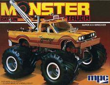 MPC MPC852 1/25 1975 Datsun Scavenger Monster Pickup Truck Plastic Model Kit