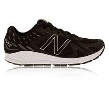 Chaussures noirs New Balance pour fitness, athlétisme et yoga