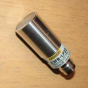 Omron 10-30VDC 200mm Range PNP Photoelectric Sensor E3FB-LP22