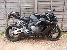 Honda CBR 1000 RR Fire Blade 2005 (Free Delivery UK Mainland)