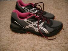 WOMENS RUNNING SHOES--ASICS SIZE 10