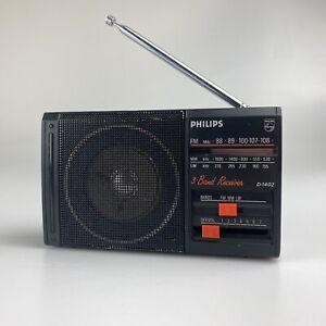 Vintage Philips 3 BAND PORTABLE RADIO (FM/MW/LW) D-1402  * 100% Working* RETRO